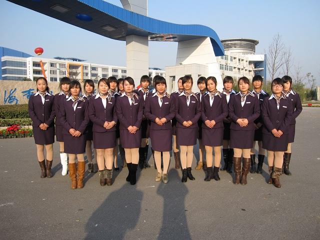 2011级江苏海事学院荣航海乘班学员合影